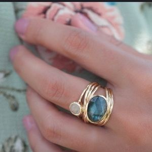 Jewelry - 14kt Gold Plated Labradorite & moonstone ring sz 6
